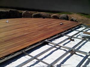 Montaggio rivestimenti in legno arredi e arredamenti in for Montaggio arredi